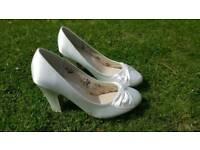 Ivory 5.5 Wedding Shoes