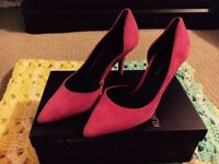 Kurt Geiger Size 5 Pink Stilettos / Heels - Comes with Box