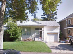 Two rooms avail. Great location 5 min U of A LRT Whyte Ave!!