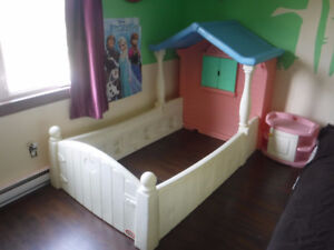Lit simple maison littles tikes