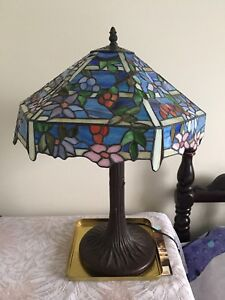 """16"""" Tiffany inspired stained glass lamp"""