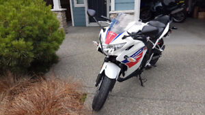 2013 Honda CBR250R ABS ONLY 1428km!