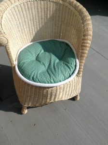Beautiful wicker chair with cushion for sale