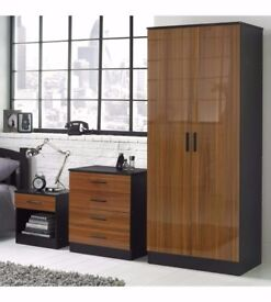 New 3-Piece Wood-Effect Gloss Bedroom Set Walnut High Gloss , Black Drawer Chest Bedside Cabinet