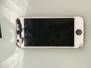 iphone 5s in need of a new screen and home button