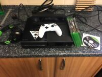 Xbox One with Kinect and Turtle Beach headset