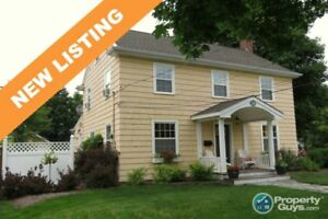 NEW LISTING! Central location, 2395 sf, 3 bed/2 bath.