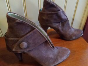 Lovely brown dress Shoes Size9