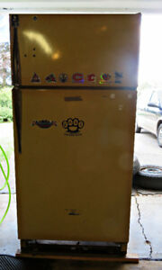 Harvest Gold Refrigerator - Great for the garage