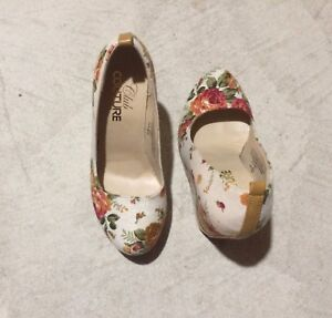Floral Wedges (NEW)
