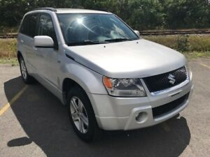 2006 Suzuki Grand Vitara Luxury Bas KM Démarreur *Guarantie Inc*