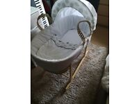 ROCKING Moses basket & breathable mattress