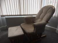 Nursery gliding chair