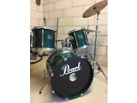 Pearl drum kit with double bass pedal