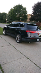 2010 Lincoln MKT Sport Fully Loaded with Navigation