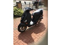 Scooter-Moped 50 cc Peugeot V Clic. Immaculate condition low mileage. 12 moth MOT & Recent service.