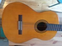 Classical Yahama guitar beautiful condition