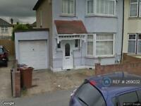 3 bedroom house in Alexandra Road, Romford, RM6 (3 bed)