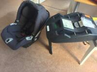 Baby car seat and isofix ( mamas and Papas)