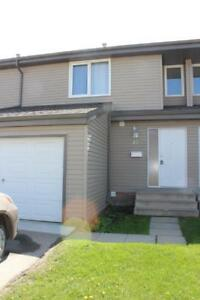 Mature people only, 3 Bed Townhouse, 1.5 Bath, Attached Garage