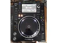 2 x Pioneer cdj2000 nxs2 media player £3150