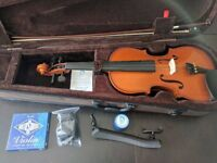 Full size Stentor violin in immaculate condition, comes with all accessories.