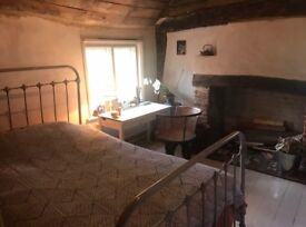 Large Double Room to rent in 1600's house