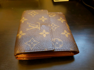 Authentic Louis Vuitton Monogram Portefeiulle Elise Trifold