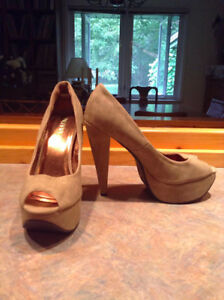 Therapy Taupe Peep Toe Pumps SIZE 10 (fit small)