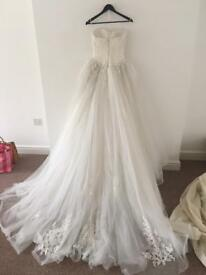 Size 8 pronvias designer wedding dress ivory lace very royal