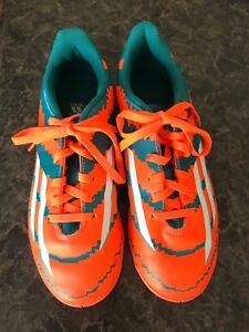 Indoor Soccer Shoes Adidas size 4 youth/child/boys