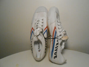 RUNNiNG SHOES- NEW ORiGiNAL FEiYUE SNEAKERS Size 11
