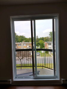 August FREE!Renovated 4 1/2 for sublet or lease transfer $725.00