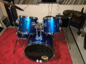 3 nice drum sets for sale. like new! comme neuf!