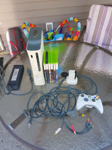 Xbox 360, Quick Charger, Controller and Games