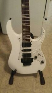 Ibanez Electric Guitar w/Hard Case