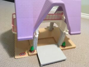 Little Tikes Dollhouse and accessories