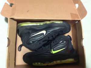 Nike air total max uptempo size 9