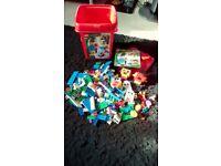 LEGO SELECTION OF BRICKS ETC LARGE BUNDLE PLUS STORAGE BOX USED VERY GOOD CONDITIONr