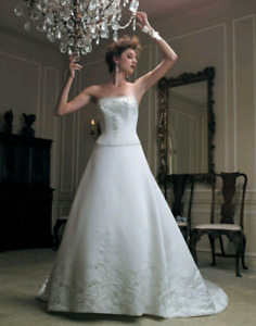 """Casablanca """"1776"""" Wedding Gown"""