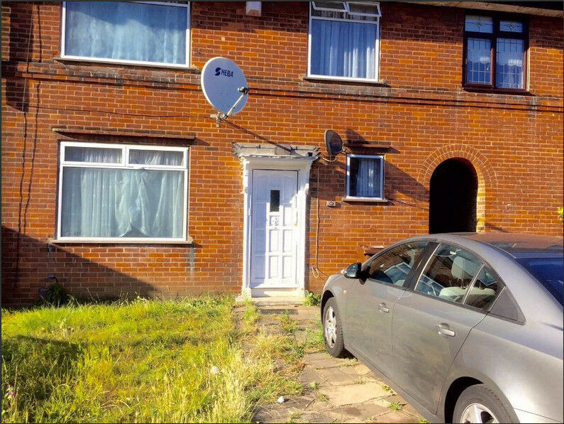 4 Bedroom House to Rent In Dagenham RM8 2BX ===PART DSS WELCOME===