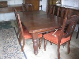 VINTAGE LARGE EXTENDING WALNUT TABLE (COULD SIT 10) & 6 X ORNATE WALNUT CHAIRS. VIEW/DELIVERY POSS