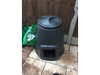 Free to good home, composter with lid and tray