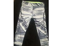 Size 8 white and grey swirl gym leggings