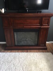 Electric fireplace w remote control - SOLD