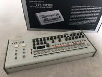 Roland Boutique TR-09 Drum Machine (perfect condition - in box)
