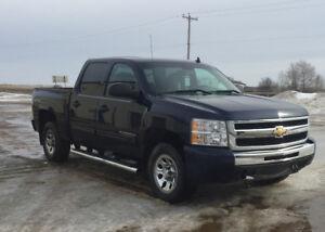 *reduced* 2011 Chevrolet Cheyenne Pickup Truck $18000 OBO