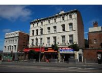 1 room avaialble now- in 5 bedroom student apartment sharing with 4 females- Leece St, L1 City