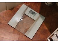 Weight Watchers bathroom scale. Used 1 year. Condition: as new. Price as new: £12