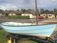Drascombe Dabber dinghy GRP day sailing boat with trailer